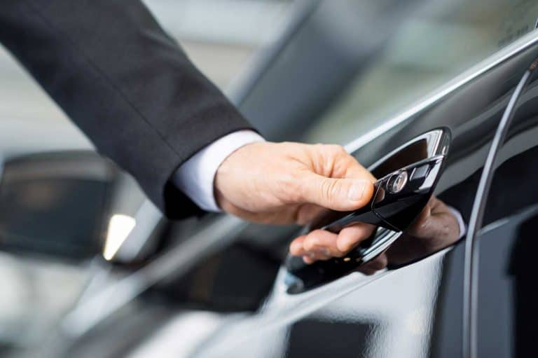 limo corporate transportation in charles city hire a chauffeur